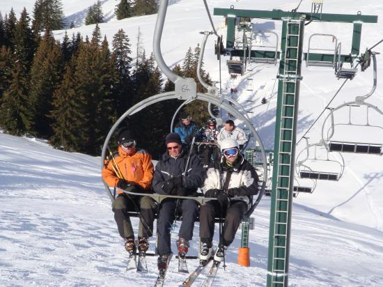 Joly brochette de skieurs façon ALCV